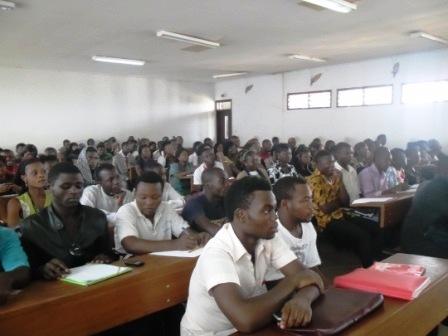 Des étudiants très attentifs